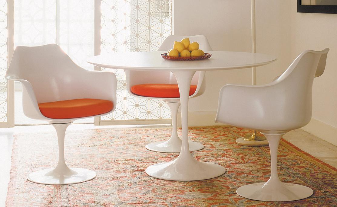 chaises tulip de Eero Saarinen