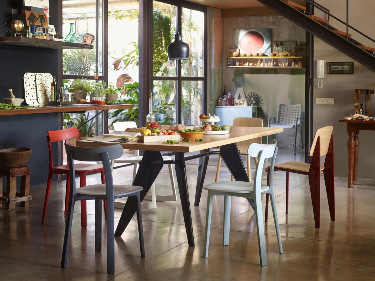 les c l bres tables design de jean prouv. Black Bedroom Furniture Sets. Home Design Ideas