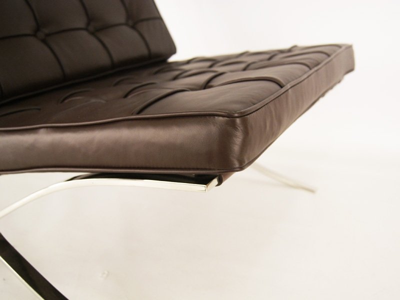 Pavillon de barcelona dimensions crafts for Chaise marron