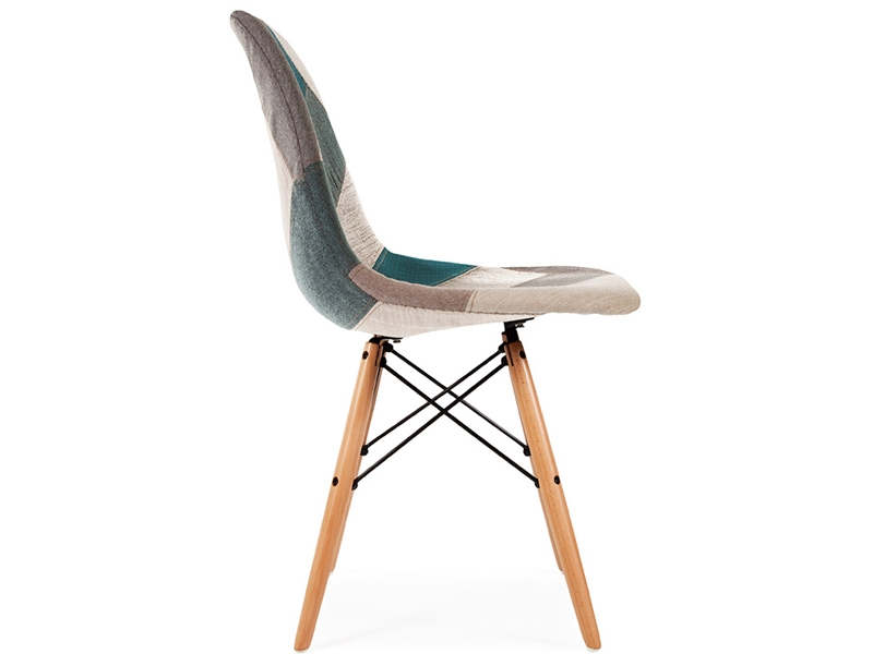 Chaise dsw rembourr e patchwork bleu for Chaise scandinave patchwork bleu