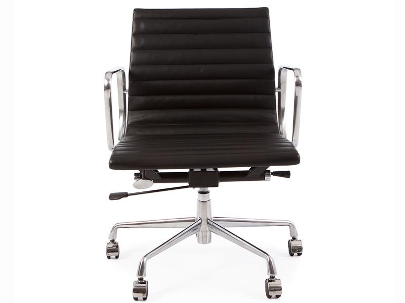 chaise eames noire top chaises bureau charles eames noires edition hermann miller chaises. Black Bedroom Furniture Sets. Home Design Ideas
