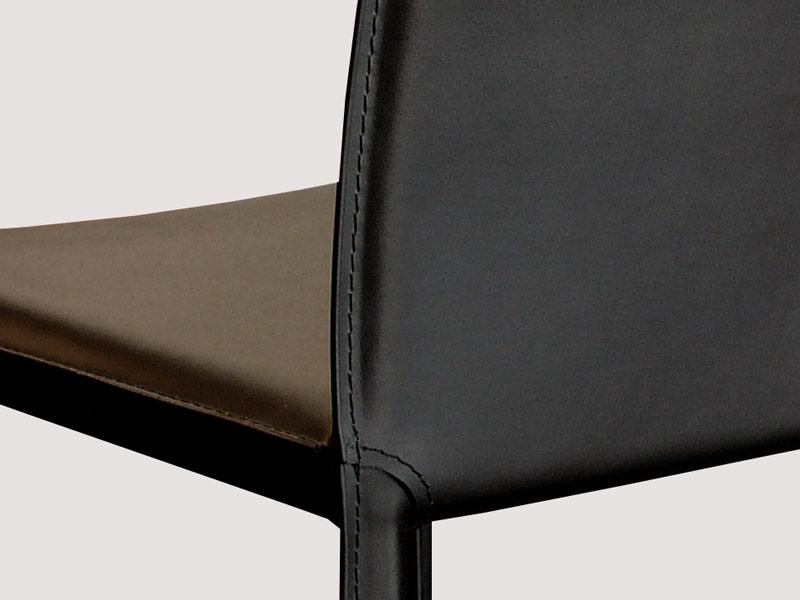 Chaise en cuir costa noir for Chaise design cuir
