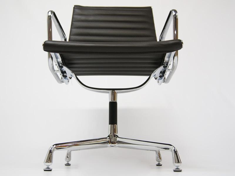 Image de l'article Chaise visiteur EA108 - Marron foncé