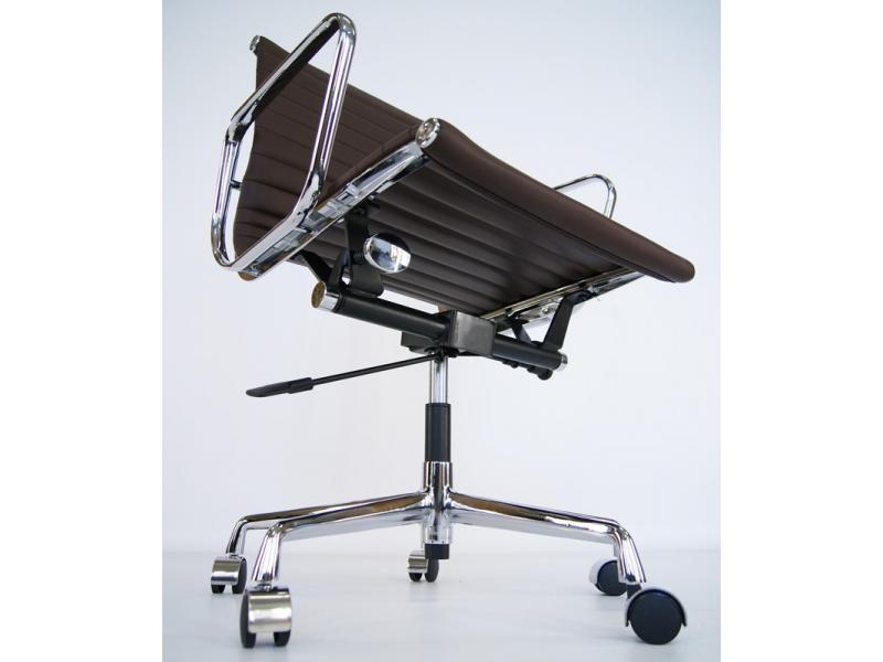 Image of the item Eames Alu EA117 - Marrone Scuro