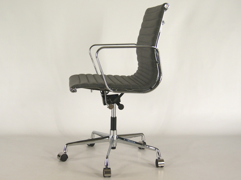 Image of the item Sedia Eames Alu EA117 - Grigio