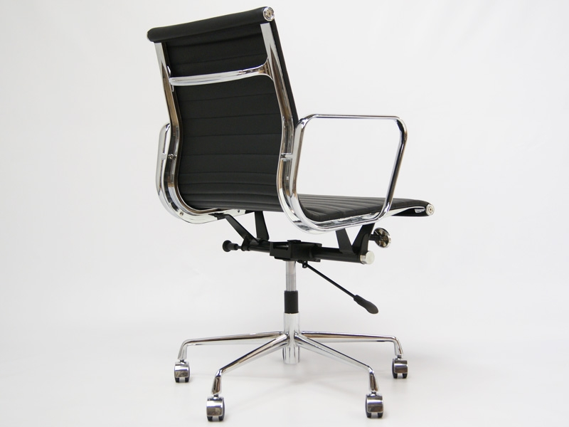Image of the item Sedia Eames Alu EA117 - Nero