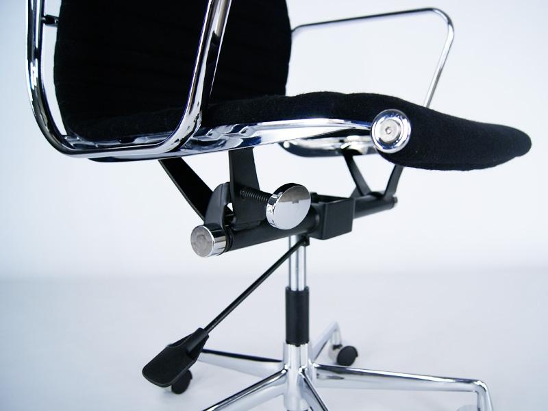 Image of the item Sedia Eames Alu EA117 - Nero