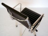 Image de l'article Chaise Eames Alu EA117 - Noir