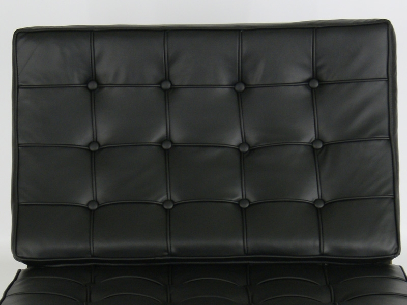 Image of the design chair Barcelona chair - Black