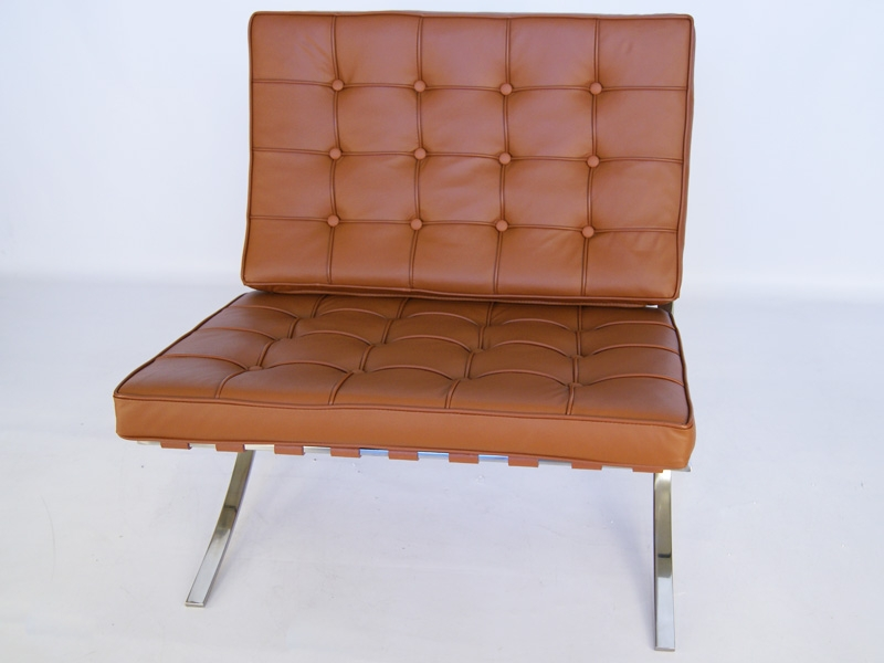 Image of the design chair Barcelona chair - Caramel