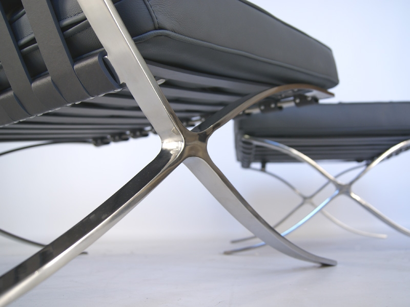 Image of the design chair Barcelona chair - Grey