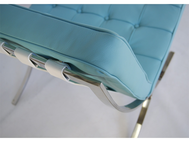Image of the design chair Barcelona chair - Sky blue