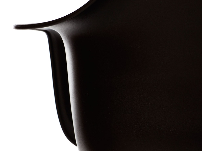 Image of the design chair DAR Eames chair - Black