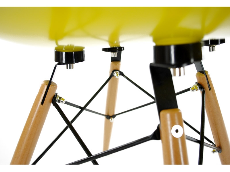 Image of the design chair DSW Eames chair - Yellow shiny
