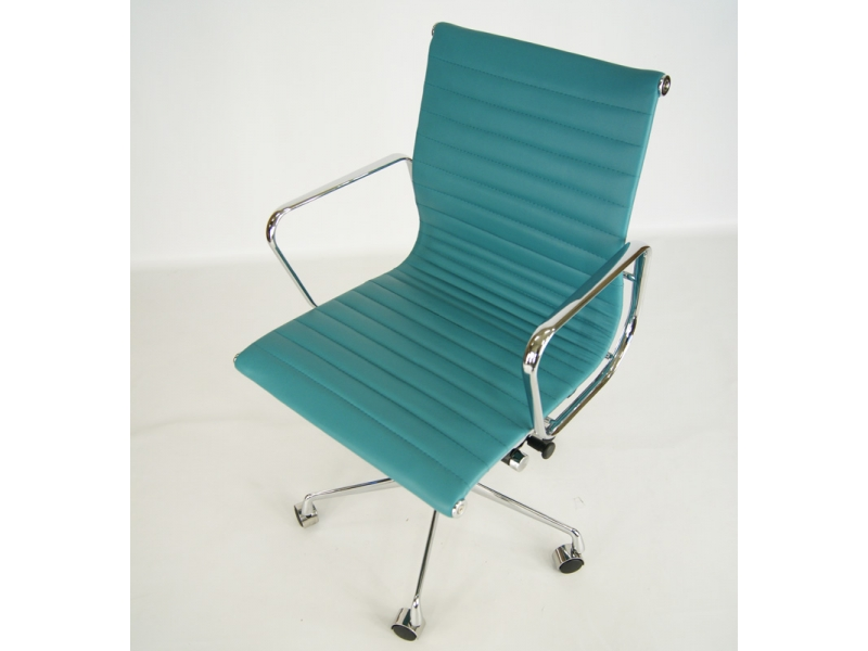 Image of the design chair Eames chair Alu EA117 - Blue