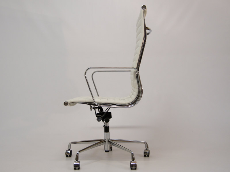 Image of the design chair Eames chair Alu EA119 - White