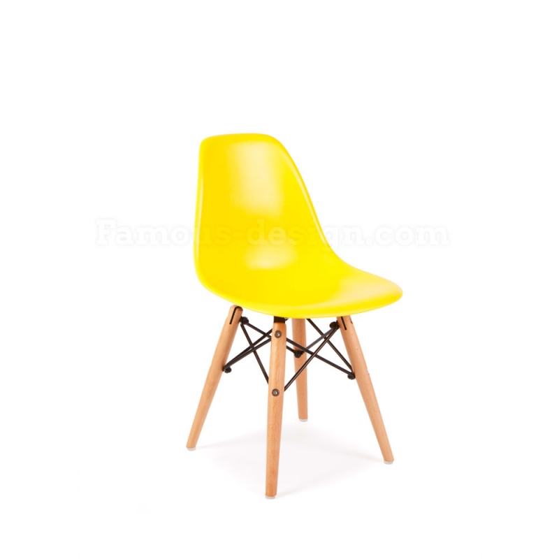 Image of the design chair Eames Kids Table - 2 DSW Chairs