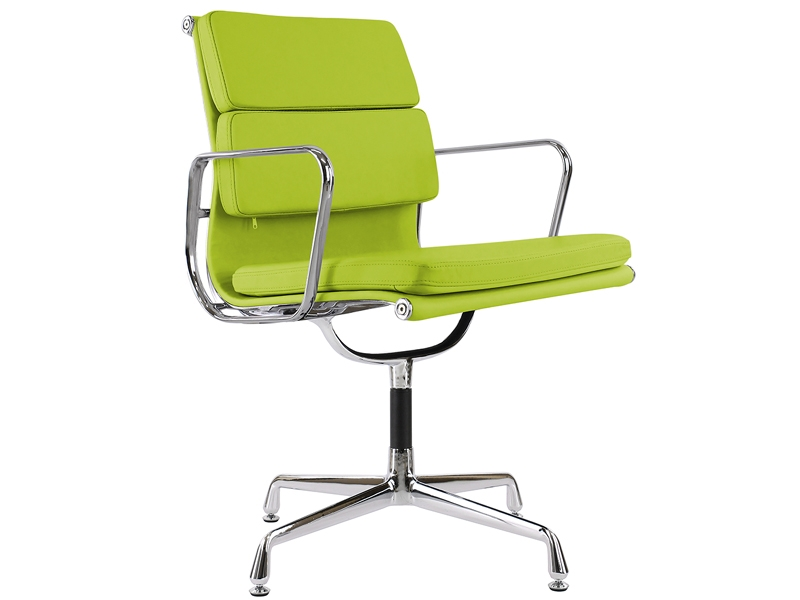 Image of the design chair Eames Soft Pad EA208 - Apple green