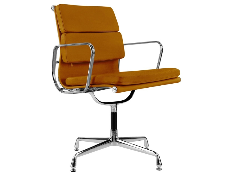 Image of the design chair Eames Soft Pad EA208 - Havana