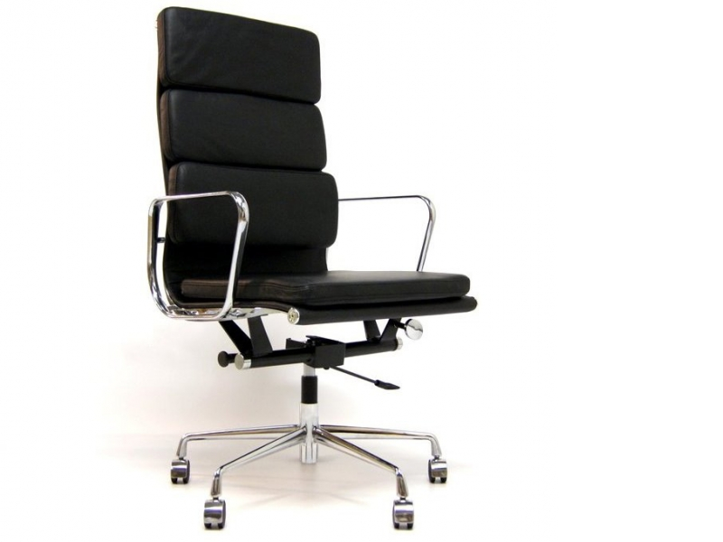 Image of the design chair Eames Soft Pad EA219 - Black