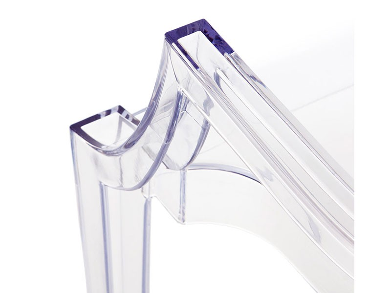 Image of the design chair Louis Ghost Arm Chair - Transparent
