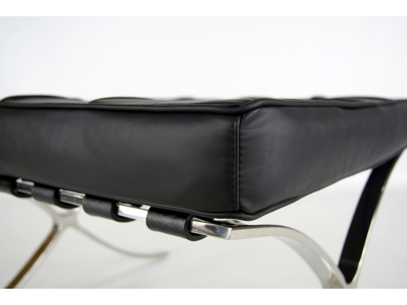 Image of the design chair Ottoman Barcelona - Black