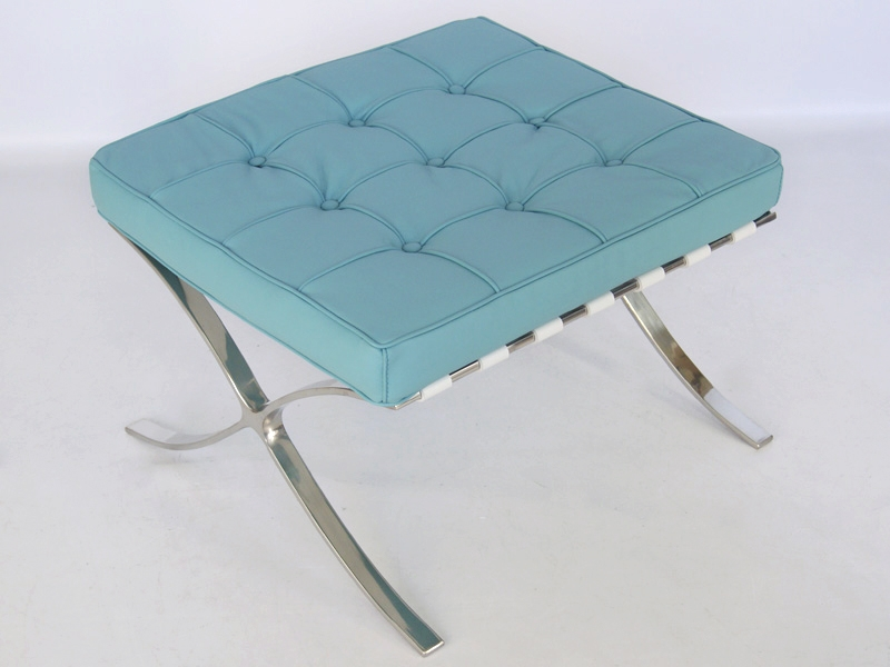 Image of the design chair Ottoman Barcelona - Sky blue