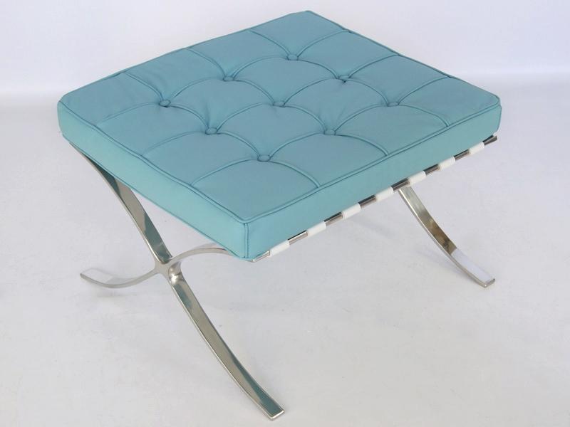 Image of the design chair Ottoman Barcelona - Sky blue