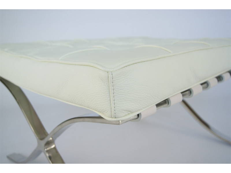 Image of the design chair Ottoman Barcelona - White