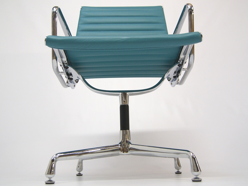 Image of the design chair Visitor chair EA108 - Blue