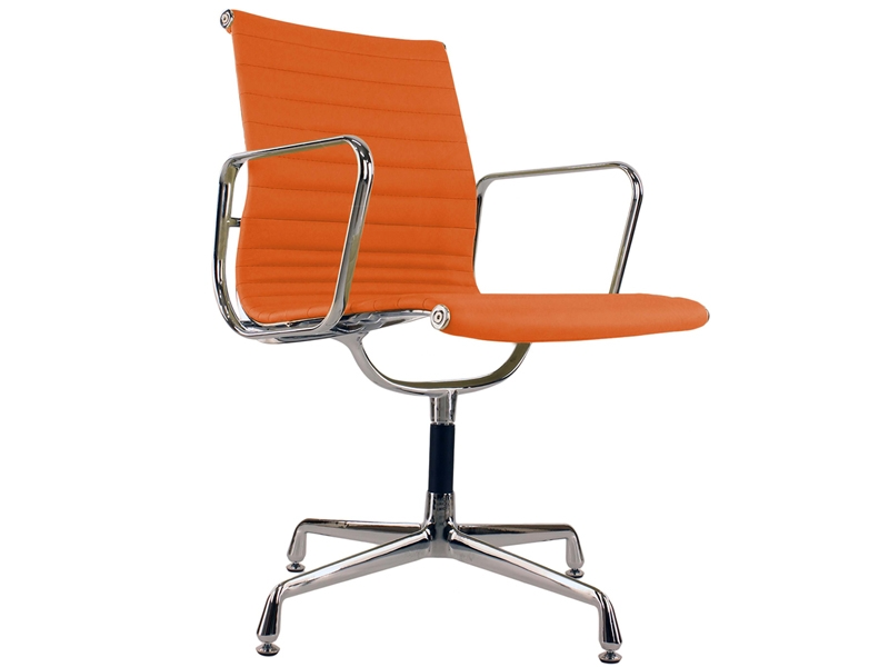 Image of the design chair Visitor chair EA108 - Orange