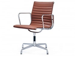Image of the design chair Visitor chair EA108 - Cognac