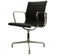 Image of the design chair Visitor chair EA108 Premium  - Black