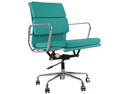 Image of the design chair Eames Soft Pad EA217 - Blue
