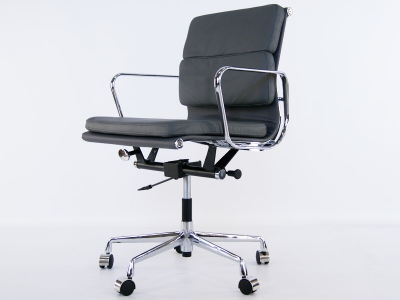 Image of the design chair Eames Soft Pad EA217 - Grey