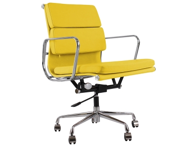 Image of the design chair Eames Soft Pad EA217 - Yellow