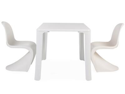 Eiffel kids table 4 Panton chairs