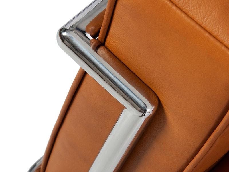 Image of the design furniture LC2 Le Corbusier 2 seater - Tan