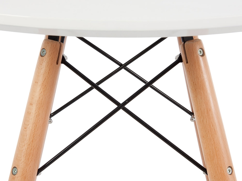 Image of the design furniture Side table Eames and 4 chairs