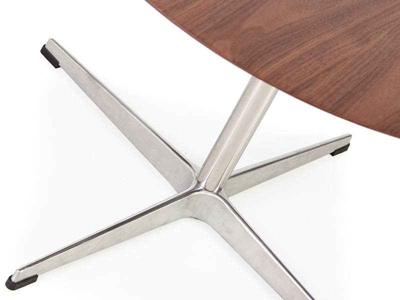 Image of the design furniture Swan coffe table Arne Jacobsen