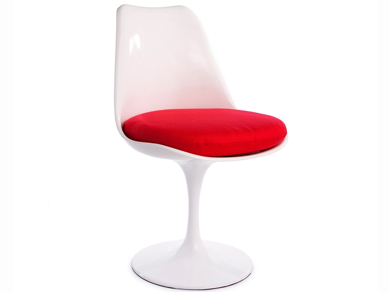 Image of the design furniture Tulip table Saarinen and 2 chairs