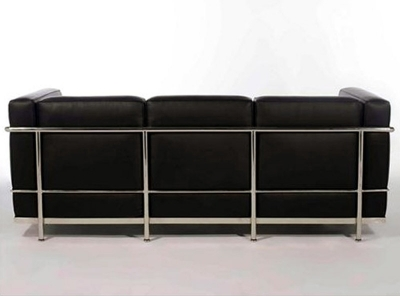 Image of the design furniture Le Corbusier LC2  3 Seater - Black