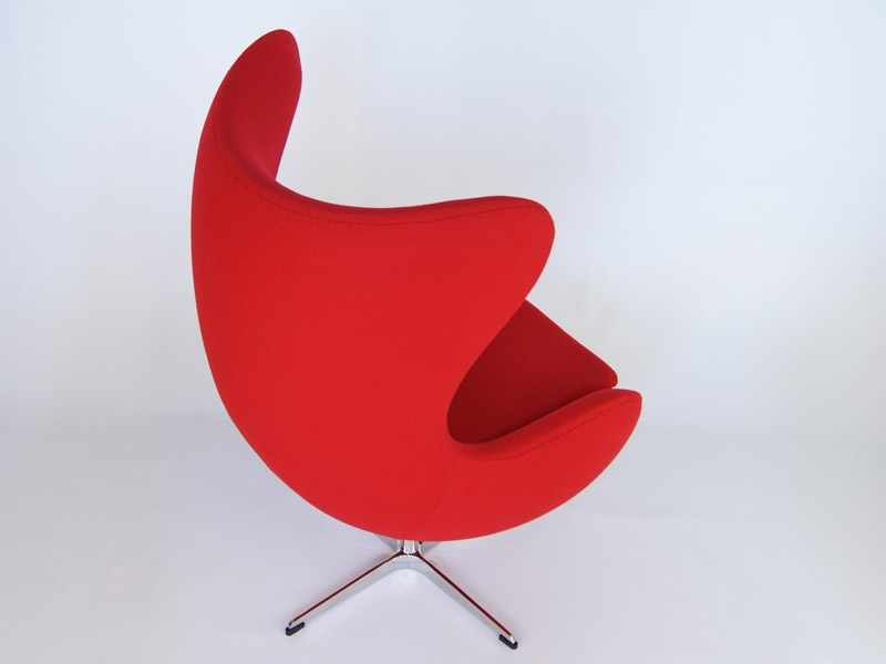 Image of the design lounge Egg Chair Arne Jacobsen - Red