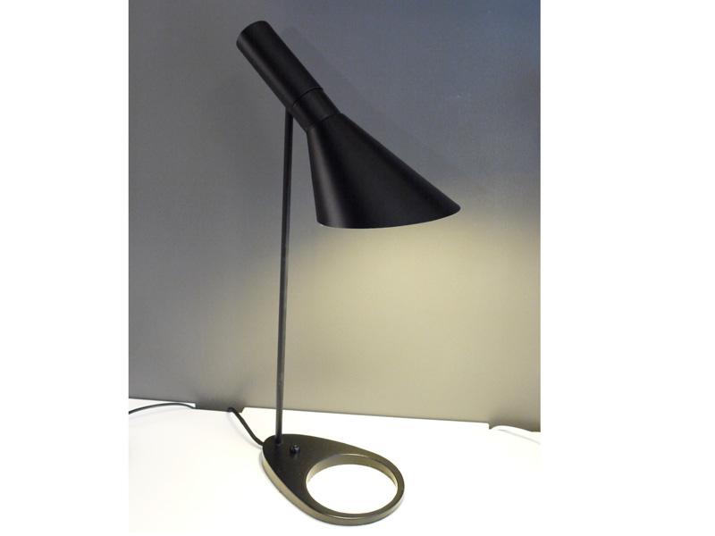 Bild der Lampe Design Tischleuchte AJ Original - Schwarz