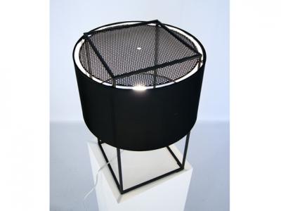 Bild der Lampe Design Tischlampe Lewitt M - Schwarz