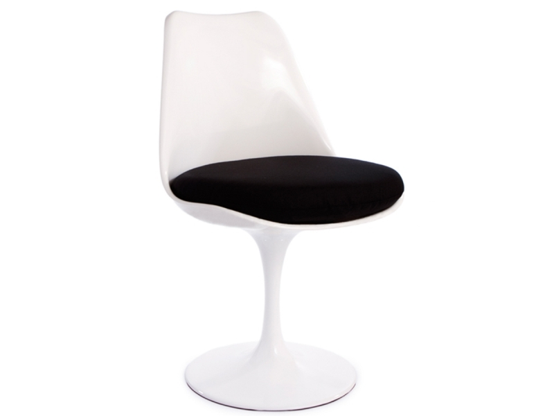 tulip tisch saarinen mit 4 st hlen. Black Bedroom Furniture Sets. Home Design Ideas