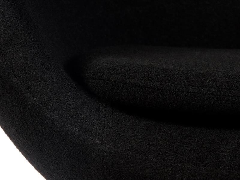Bild von Stuhl-Design Erstklassige Reproduktionen von Famous-Design – Egg Sessel von Arne Jacobsen in Schwarz