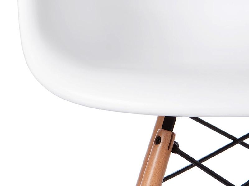Bild von Stuhl-Design DAW Eames Stuhl - Weiß ? ein Klassiker zu günstigen Preisen