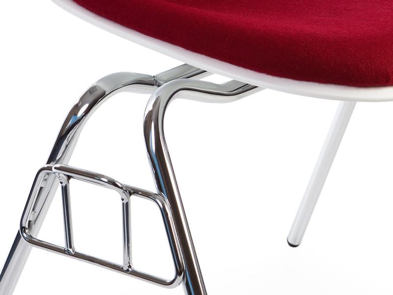 Bild von Stuhl-Design DSS Stuhl Stapelbar Wollpolsterung - Rot