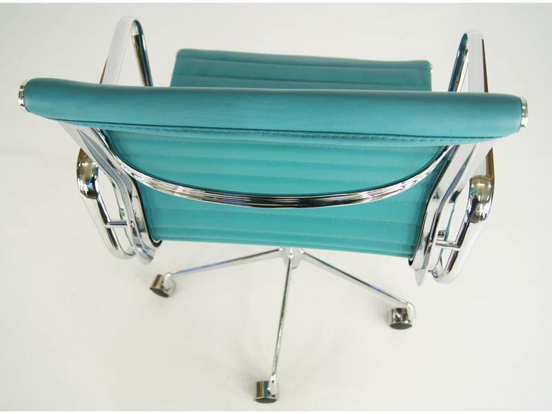 Bild von Stuhl-Design Eames Alu EA117 - Blau